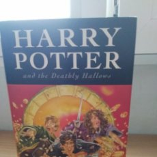 Libros: LIBRO HARRY POTTER AND THE DEATHLY HALLOWS. Lote 213025661