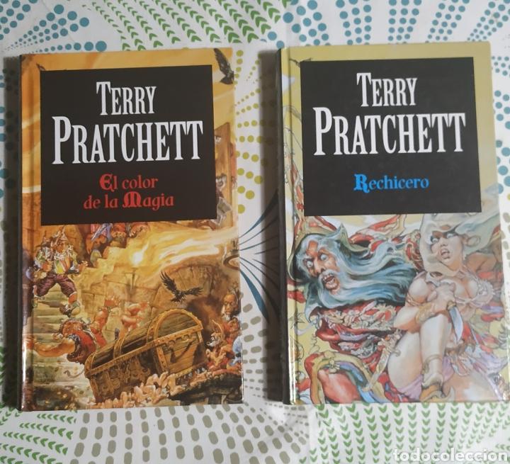 2 LIBROS, TERRY PRATCHETT,TAPA DURA (Libros Nuevos - Literatura - Narrativa - Ciencia Ficción y Fantasía)