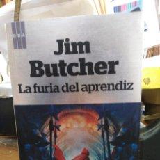 Libros: LA FURIA DEL APRENDIZ/JIM BUTCHER-EDITA RBA-(CODEX ALERA 2)2013. Lote 257452465