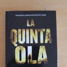 Libros: RICK YANCEY - LA QUINTA OLA - ED. RBA - 2015 - 472 PÁGINAS - 14X22CM. Lote 284388558