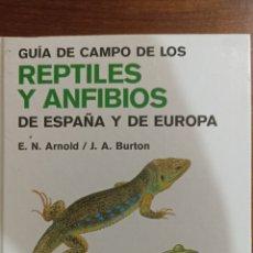 Libros: GUÍA DE CAMPO REPTILES Y ANFIBIOS. Lote 296027698
