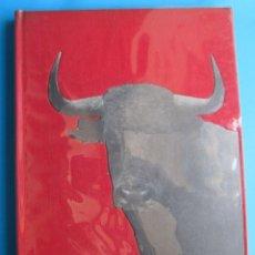 Livros: TAUROMACHIE. BIOGRAPHIE D'UNA COURSE. PHOTO. JUAN GYENES. ENRIQUE LLOVET. ART ET INDUSTRIE, 1957. Lote 118896119