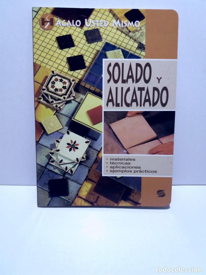 MAGNIFICO LIBRO SOBRE INSTALACION DE SUELOS Y ZOCALOS CON BALDOSAS Y AZULEJOS (Libros Nuevos - Ciencias, Manuales y Oficios - Otros)