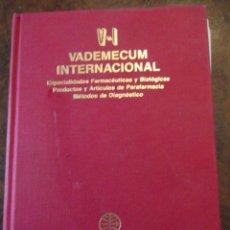 Libros: VALDEMECUM INTERNACIONAL MEDICOM AÑO 1991 1900 PAG / DE 22 X 17 Y 8 CM DE GRUESO. Lote 253550140