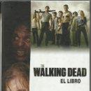 Libros: THE WALKING DEAD - EL LIBRO LORENZO DIAZ - 1º EDICION 2011. Lote 157312346