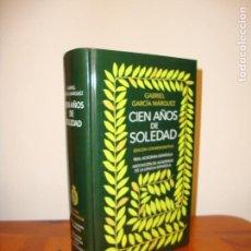 Livros em segunda mão: CIEN AÑOS DE SOLEDAD - GABRIEL GARCÍA MÁRQUEZ - EDICIÓN CONMEMORATIVA, EXCELENTE ESTADO. Lote 163393354