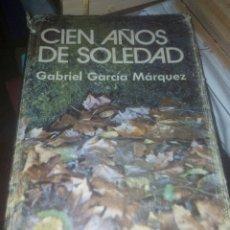 Libros de segunda mano: CIEN AÑOS DE SOLEDAD GABRIEL GARCÍA MÁRQUEZ EDITORIAL PLAZA Y JANES AÑO MAYO DE 1975. Lote 180499828