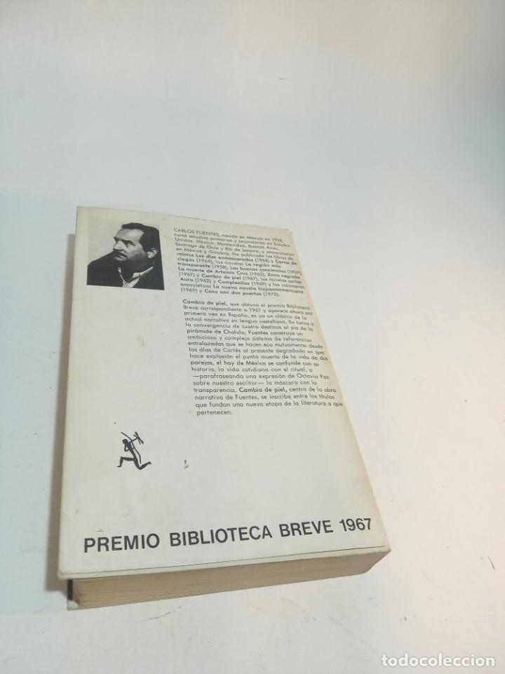 Libros de segunda mano: Cambio de piel. Carlos Fuentes. Posible dedicatoria del autor. Seix Barral. Primera edición. 1974. - Foto 5 - 217896810