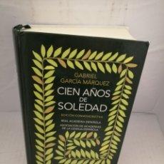 Livros em segunda mão: CIEN AÑOS DE SOLEDAD (EDICIÓN CONMEMORATIVA). Lote 223343358