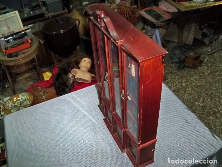 Libros de segunda mano: Coleccion de 59 libros miniatura de Planeta Agostini con vitrina expositor - Foto 5 - 227775390