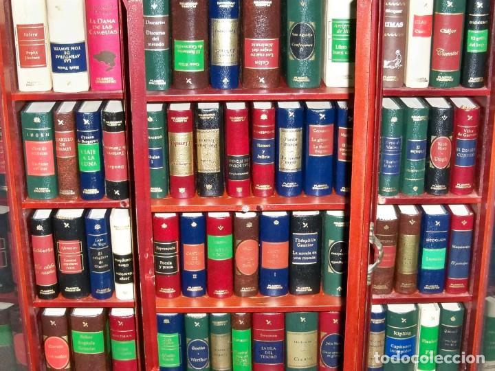 Libros de segunda mano: Coleccion de 59 libros miniatura de Planeta Agostini con vitrina expositor - Foto 7 - 227775390