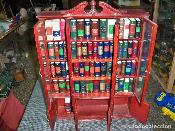 Libros de segunda mano: Coleccion de 59 libros miniatura de Planeta Agostini con vitrina expositor - Foto 11 - 227775390