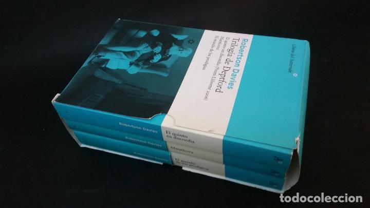 Libros de segunda mano: 2007 - ROBERTSON DAVIES - Trilogía de Deptford: El quinto en discordia. Mantícora, ETC. - Foto 2 - 228461665