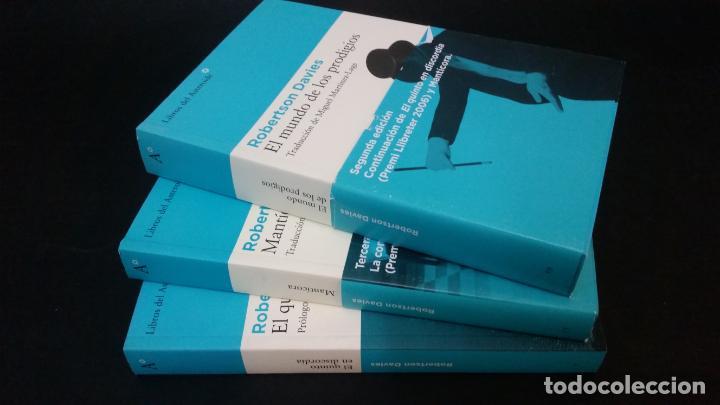2007 - ROBERTSON DAVIES - TRILOGÍA DE DEPTFORD: EL QUINTO EN DISCORDIA. MANTÍCORA, ETC. (Libros de Segunda Mano (posteriores a 1936) - Literatura - Narrativa - Clásicos)