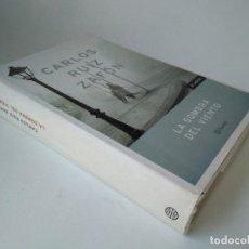 Libros de segunda mano: CARLOS RUIZ ZAFÓN. LA SOMBRA DEL VIENTO. Lote 228541070