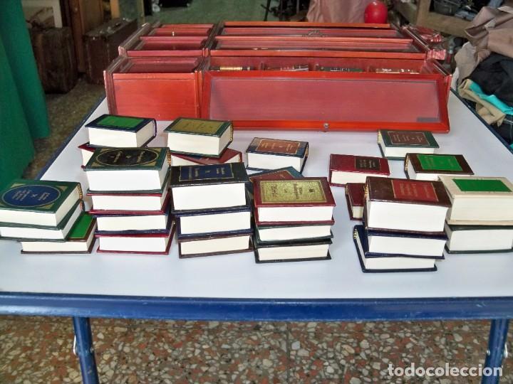 Libros de segunda mano: Coleccion de 59 libros miniatura de Planeta Agostini con vitrina expositor - Foto 12 - 227775390