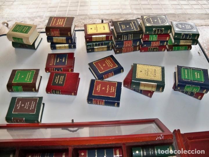 Libros de segunda mano: Coleccion de 59 libros miniatura de Planeta Agostini con vitrina expositor - Foto 13 - 227775390