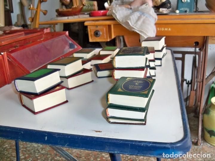 Libros de segunda mano: Coleccion de 59 libros miniatura de Planeta Agostini con vitrina expositor - Foto 14 - 227775390