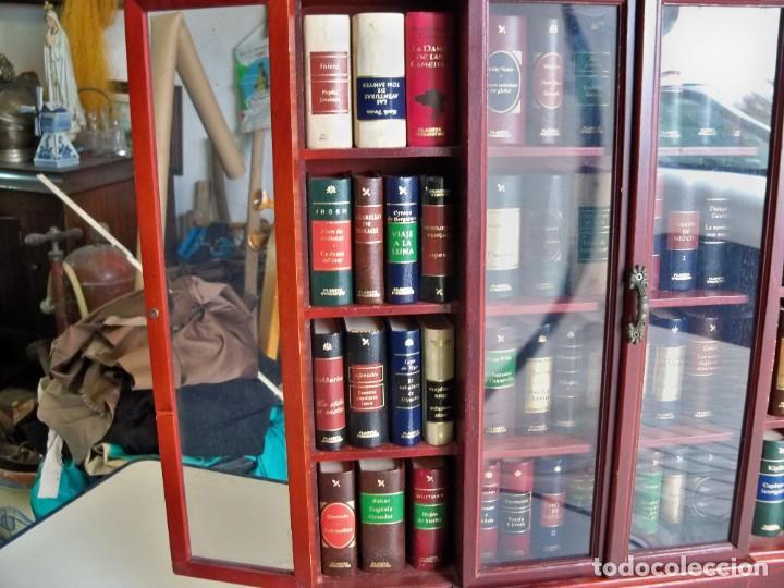 Libros de segunda mano: Coleccion de 59 libros miniatura de Planeta Agostini con vitrina expositor - Foto 17 - 227775390