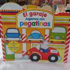 Livros: GARAJE JUGAMOS CON PEGATINAS VINILO.TODOLIBRO 90S.NUEVO.. Lote 56102675