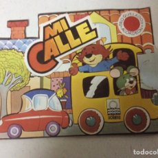 Libros: MI CALLE - CUENTOS TROQUELADOS ACORDEÓN; ED. OCÉANO 1983. Lote 185757906