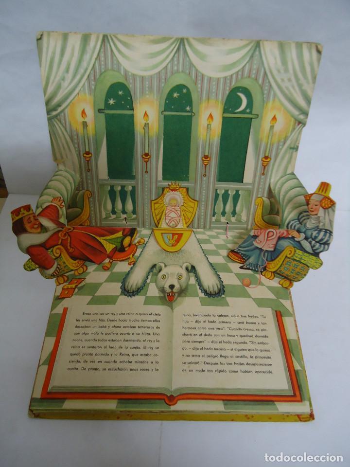 Libros: ANTIGUO CUENTO DE LA BELLA DURMIENTE DEL AÑO 1960 CON 8 DIORAMAS. INGLES PERO EN CASTELLANO. RARO - Foto 2 - 235700555