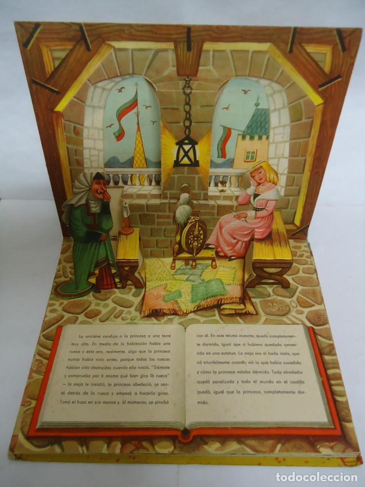 Libros: ANTIGUO CUENTO DE LA BELLA DURMIENTE DEL AÑO 1960 CON 8 DIORAMAS. INGLES PERO EN CASTELLANO. RARO - Foto 4 - 235700555