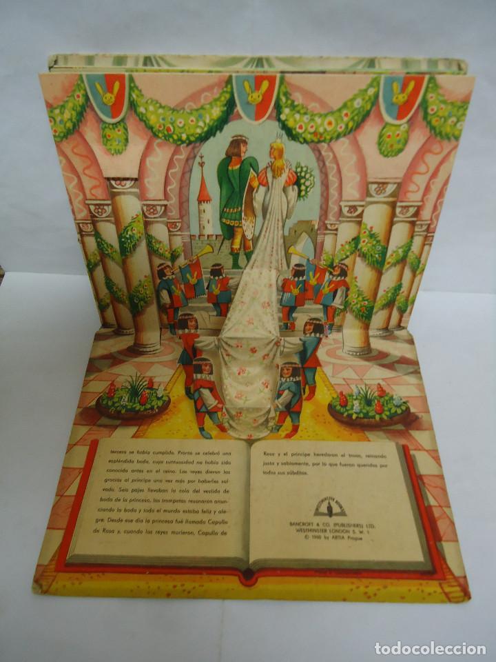 Libros: ANTIGUO CUENTO DE LA BELLA DURMIENTE DEL AÑO 1960 CON 8 DIORAMAS. INGLES PERO EN CASTELLANO. RARO - Foto 5 - 235700555