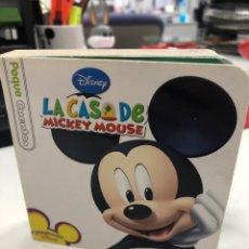 Livros: LA CASA DE MICKEY MOUSE, LIBRO INFANTIL ILUSTRADO CON HOJAS EN CARTONÉ. Lote 290487403
