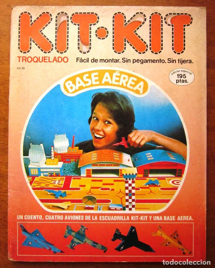 KIT KIT TROQUELADO BASE AEREA: 1 CUENTO, 4 AVIONES Y 1 BASE AREA. ED. ARCOS BERGARA AÑOS 80 (Libros Nuevos - Literatura Infantil y Juvenil - Cuentos juveniles)