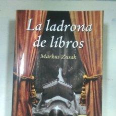 Libros: LA LADRONA DE LIBROS. DEBOLSILLO. MARKUS ZUSAK. Lote 125273972