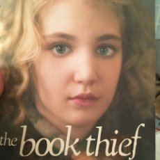 Libros: THE BOOK THIEF - LA LADRONA DE LIBROS. Lote 133056674