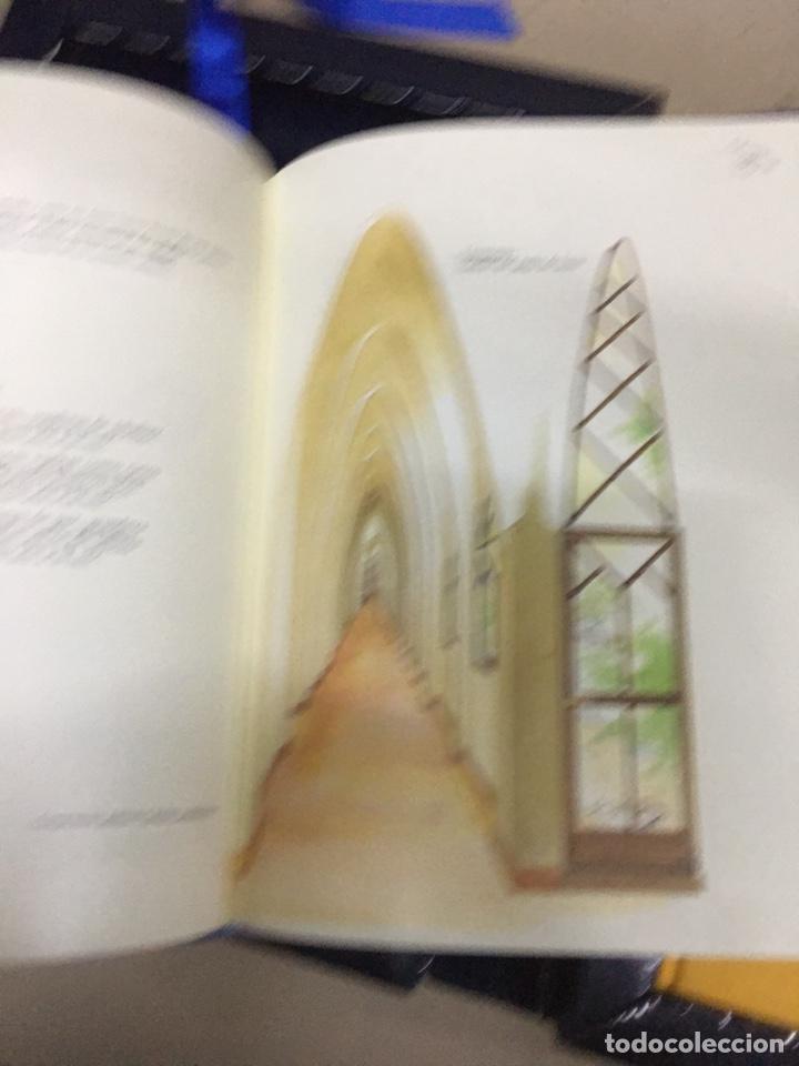 Libros: SOBREVOLANT GAUDI - CYAN EDICIONS - DOS LIBROS CON COFRE - - Foto 4 - 224571320