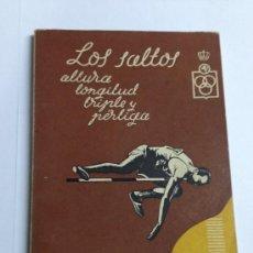 Coleccionismo deportivo: LOS SALTOS - GUIA DEL PRINCIPIANTE - ALTURA, LONGITUD, TRIPLE Y PERTIGA - ATLETISMO - AÑO 1963. Lote 38561834