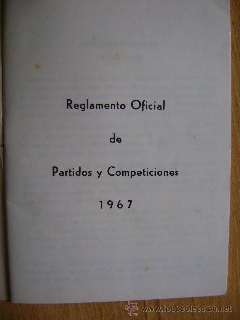 Coleccionismo deportivo: Federación Española de Béisbol FEBB: Reglamento oficial de partidos y competiciones 1967. +sanciones - Foto 2 - 39278896