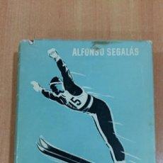 Coleccionismo deportivo: DEPRTES DE INVIERNO. ALFONSO SEGALAS. 1956. CONTIENE ILUSTRACIONES FOTOGRAFICAS. Lote 62194456