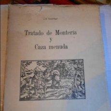 Coleccionismo deportivo: TRATADO DE MONTERIA Y CAZA MENUDA. J. E. CASARIEGO. BANCA MASAVEU, OVIEDO, 1977. RUSTICA CON SOLAPA.. Lote 96336583