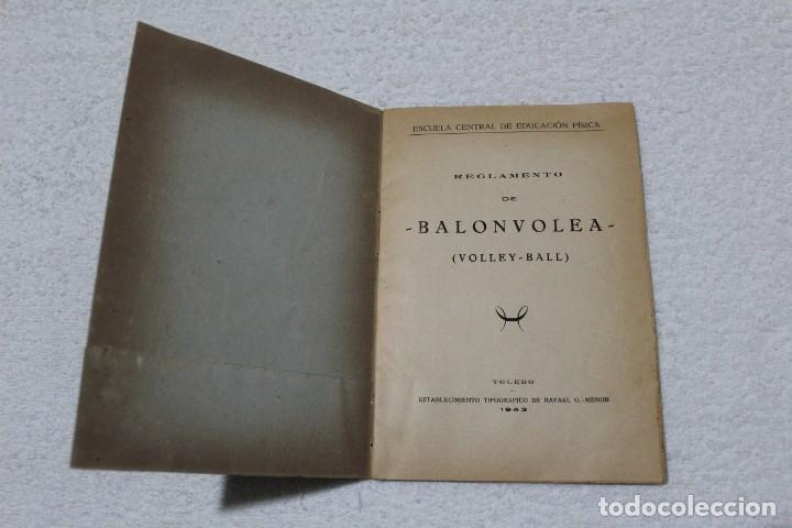 Coleccionismo deportivo: REGLAMENTO DE BALON VOLEA. ESCUELA CENTRAL DE EDUCACIÓN FISICA - AÑO 1943 - Foto 2 - 141591214