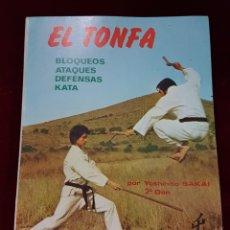 Coleccionismo deportivo: LIBRO KARATE TONFA 1986. Lote 162972758