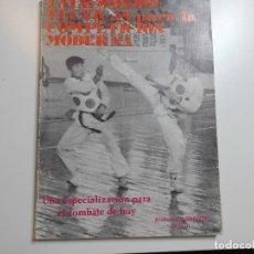 Coleccionismo deportivo: TAEKWONDO TECNICA PARA LA COMPETICION MODERNA ANDRES CARBONELL. Lote 181784305