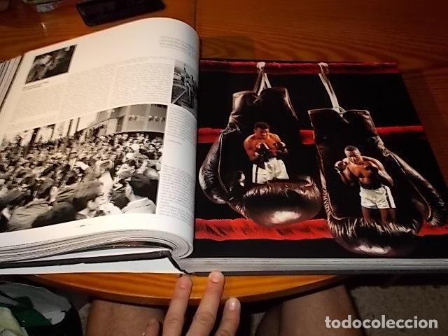 Coleccionismo deportivo: UN HOMENAJE A MUHAMMAD ALI . GREATEST OF ALL TIME . FOTOGRAFÍAS HOWARD L. BINGHAM / LEIFER. TASCHEN - Foto 26 - 181966271