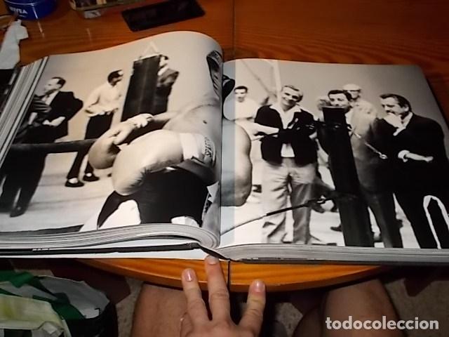 Coleccionismo deportivo: UN HOMENAJE A MUHAMMAD ALI . GREATEST OF ALL TIME . FOTOGRAFÍAS HOWARD L. BINGHAM / LEIFER. TASCHEN - Foto 28 - 181966271