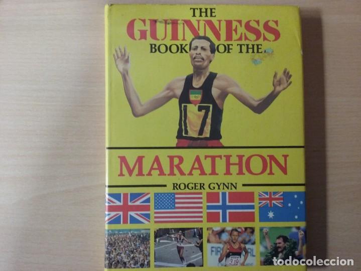 Coleccionismo deportivo: THE BOOK OF THE GUINNESS MARATHON - ROGER GYNN - Foto 2 - 194126412