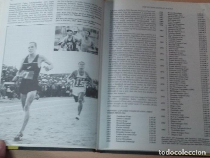 Coleccionismo deportivo: THE BOOK OF THE GUINNESS MARATHON - ROGER GYNN - Foto 7 - 194126412
