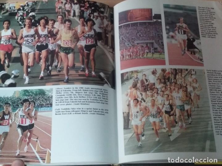 Coleccionismo deportivo: THE BOOK OF THE GUINNESS MARATHON - ROGER GYNN - Foto 9 - 194126412