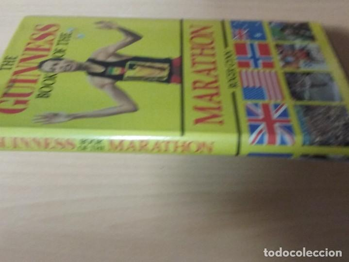 Coleccionismo deportivo: THE BOOK OF THE GUINNESS MARATHON - ROGER GYNN - Foto 11 - 194126412
