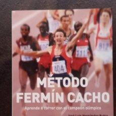 Coleccionismo deportivo: MÉTODO FERMÍN CACHO. APRENDER A CORRER CON EL CAMPEÓN OLÍMPICO. Lote 195484436