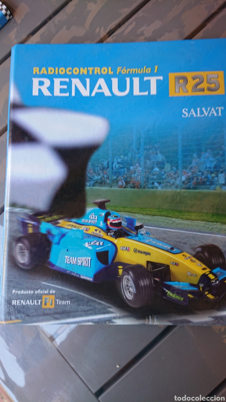 Coleccionismo deportivo: Libro archivador Formula 1 Fernando Alonso - Foto 20 - 207671681