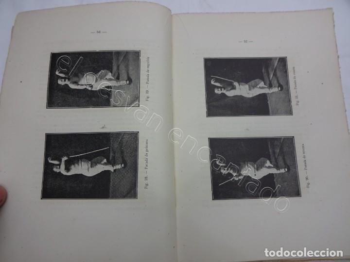 Coleccionismo deportivo: LA ESGRIMA MODERNA. Enrique Bossini. Tratado esgrima-florete-espada-sable. Edición corregida 1946 - Foto 2 - 208753670