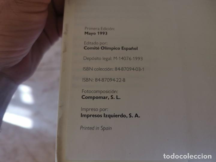 Coleccionismo deportivo: ESGRIMA COMITÉ OLÍMPICO ESPAÑOL REAL FEDERACIÓN ESPAÑOLA DE ESGRIMA 1ERA ED. 1993 - Foto 2 - 212790050